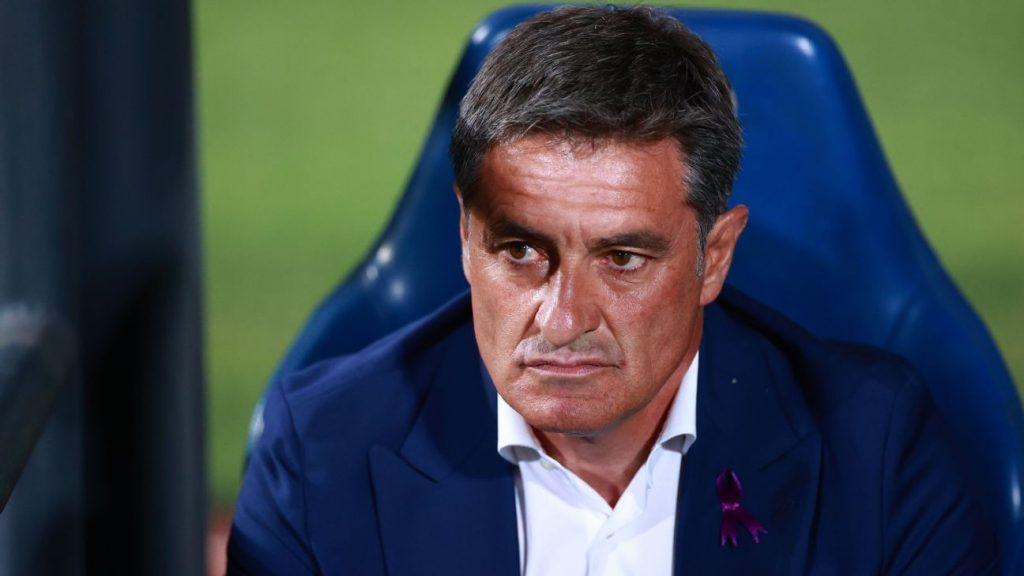 Míchel deja la dirección técnica de Pumas