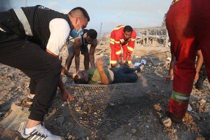 Se han reportado casi 4.000 heridos y el gobierno libanés está pidiendo a las personas que donen sangre (EFE / EPA / IBRAHIM DIRANI / DAR AL MUSSAWIR)