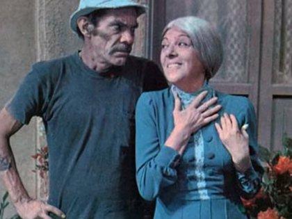 """""""Señor Ramon"""" (Ramón Valdés) y el """"Bruja de 71"""" (Angelina Fernández), en """"El Chavo del 8"""""""