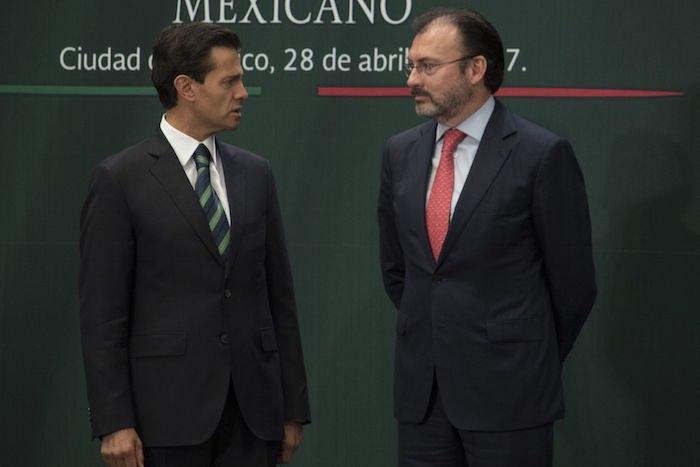 Emilio Lozoya, exdirector de Pemex, denunció al expresidente Enrique Peña Nieto y al exsecretario de Hacienda Luis Videgaray, por su presunta participación en este esquema de corrupción y por autorizar sobornos.