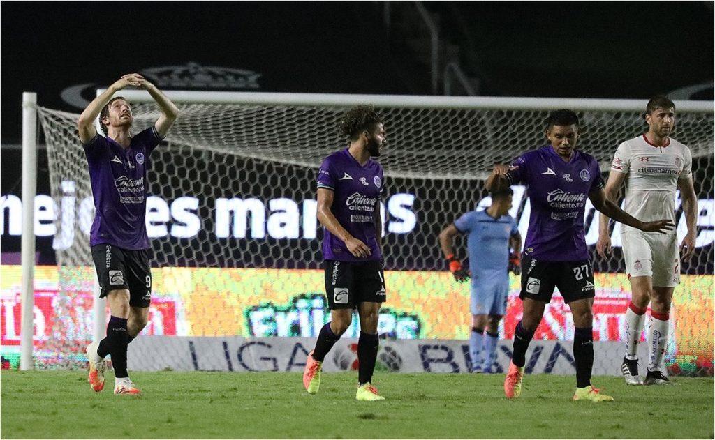 Mazatlán consigue su primera victoria ante Toluca