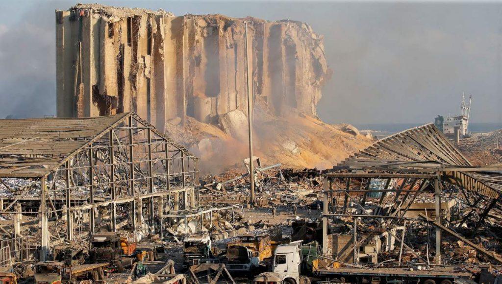 """Testigo afirma haber visto un avión militar antes de la explosión en Beirut: """"Era una bomba"""""""